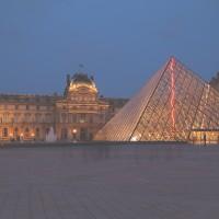 Parijs-Louvre-avond-2209